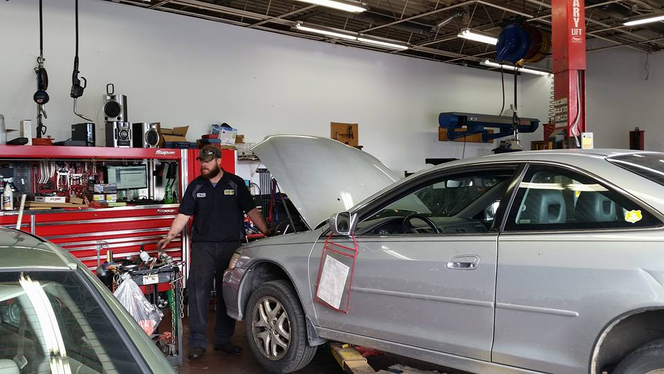 car service area at elk river auto shop